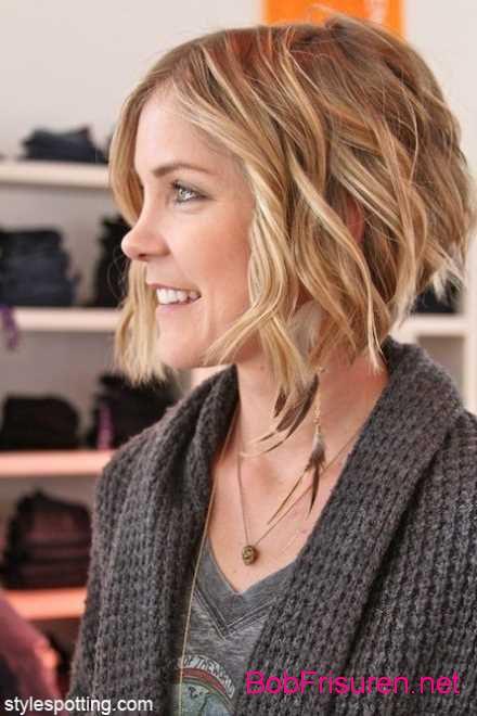 wellige frisuren kurzes lockiges haar