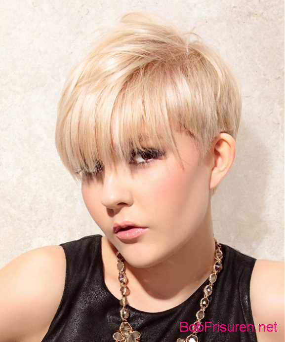 blonde moderne frisuren