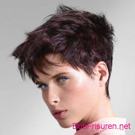 Moderne frisuren damen 3 bob frisuren 2017 for Moderne frisuren 2015