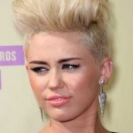 miley cyrus trendy kurzhaarfrisuren 2015