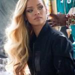 sehr extravaganten look von Rihanna moglichst mit einigen haarverlangerungen