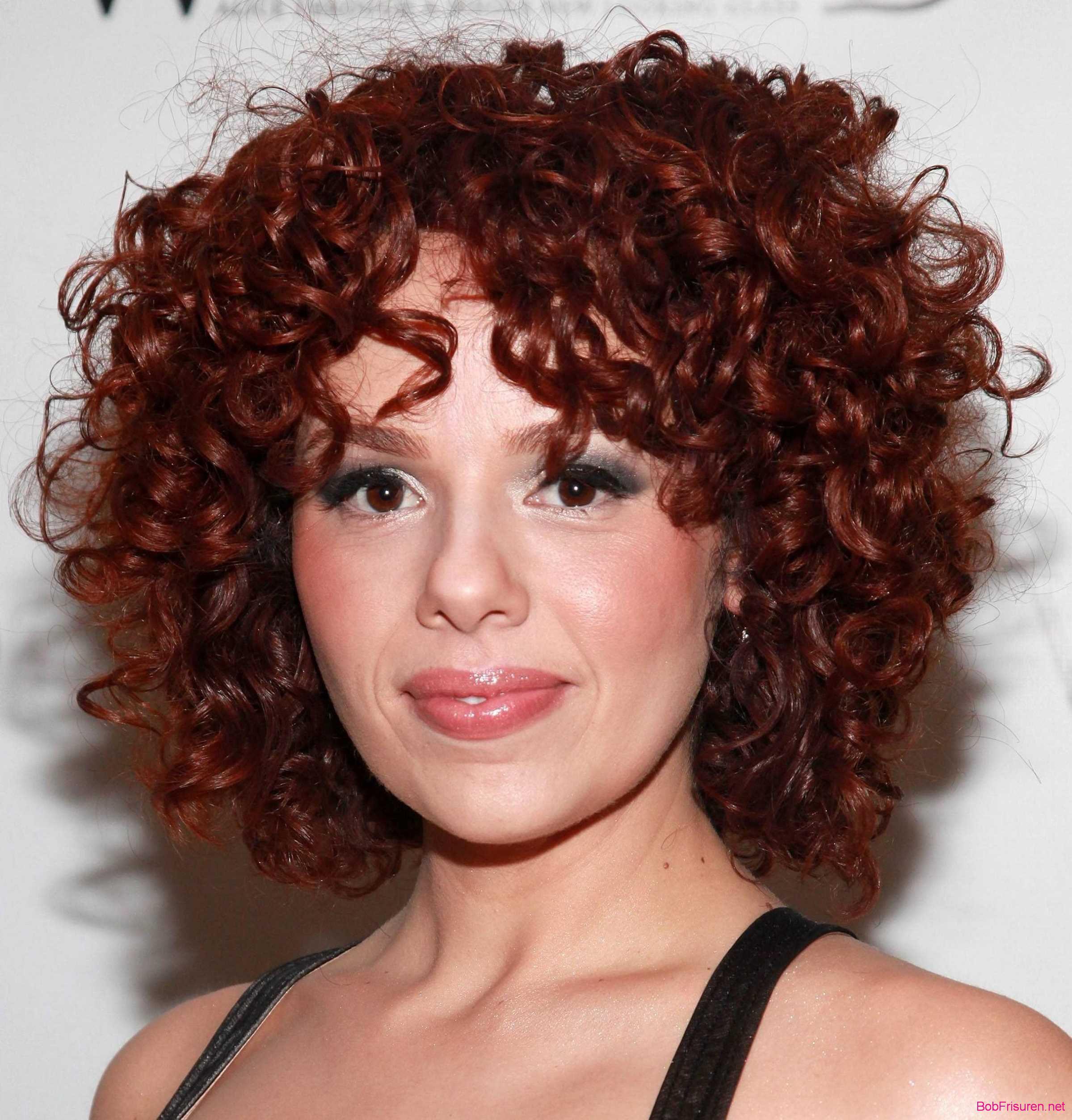 frisuren kurzes lockiges haar rote farben