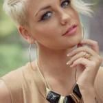 asymmetrische kurze frisuren pixie blondine